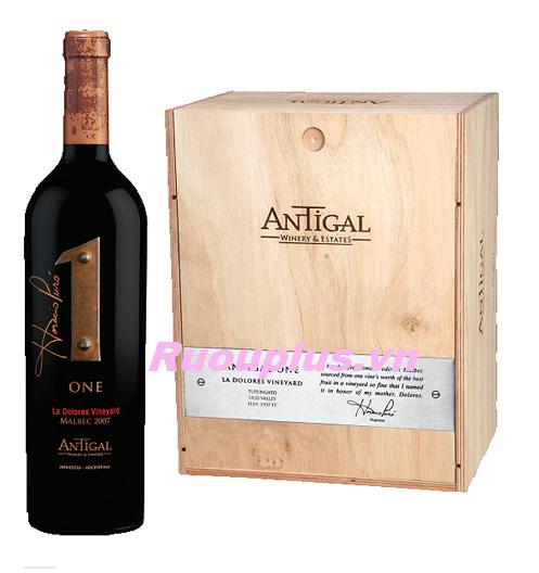 Rượu vang Argentina One Malbec La Dolores Vineyard