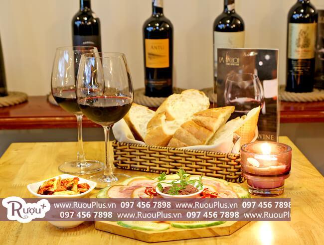 Chế biến món ăn phù hợp với rượu vang